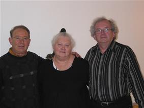 Annick HOUDUSSE, Présidente entourée de Bernard MARTEL & Bernard LELIEVRE anciens présidents du Club  présidents